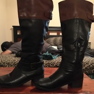 Black and brown boots size 7